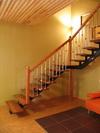 Лестница открытая на центральном металлокосоуре